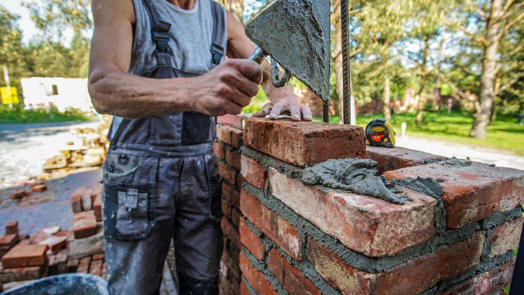 Unikalne Ogrodzenie ze starej cegły rozbiórkowej - Elpidia Spółdzielnia OC38